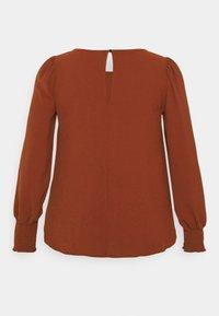 Zizzi - XHANNU DETAIL BLOUSE - Long sleeved top - fired brick - 1