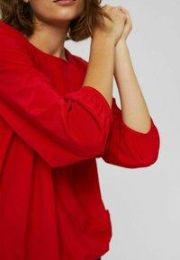 Esprit - BLUSE MIT ELASTIKSAUM, LENZING™ ECOVERO™ - Blouse - red - 8