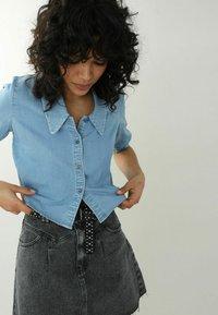 Pimkie - Button-down blouse - hellblau - 2