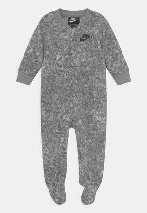 DIGI CONFETTI UNISEX - Sleep suit - light smoke gray