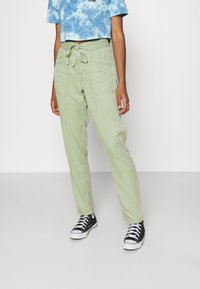 Pepe Jeans - DASH - Trousers - palm green - 0