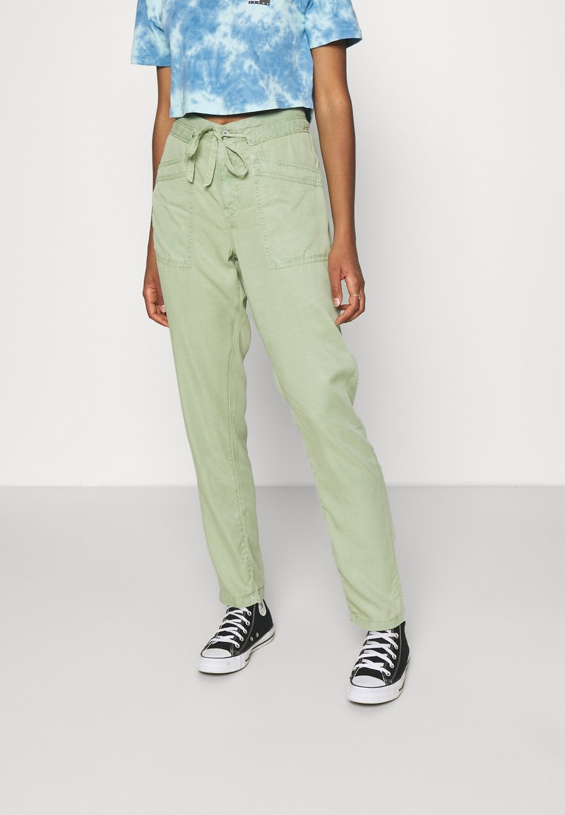 Pepe Jeans - DASH - Trousers - palm green