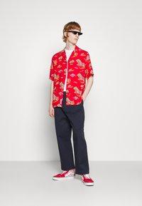 Carhartt WIP - BEACH - Shirt - etna red - 4
