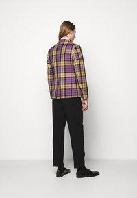 Vivienne Westwood - WAISTCOAT JACKET - Giacca - purple - 2