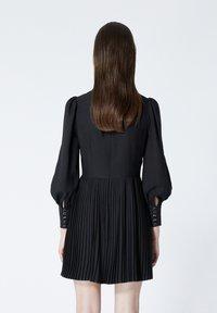 The Kooples - À DÉTAIL PLISSÉ - Day dress - black - 3