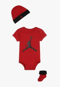 Jordan - JUMPMAN HAT BOOTIE SET - Čepice - gym red/black - 0