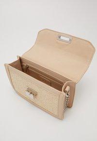 ONLY - ONLARIA CROSSOVER - Across body bag - beige - 4