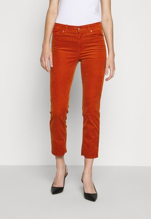 THE STRAIGHT CROP - Trousers - orange