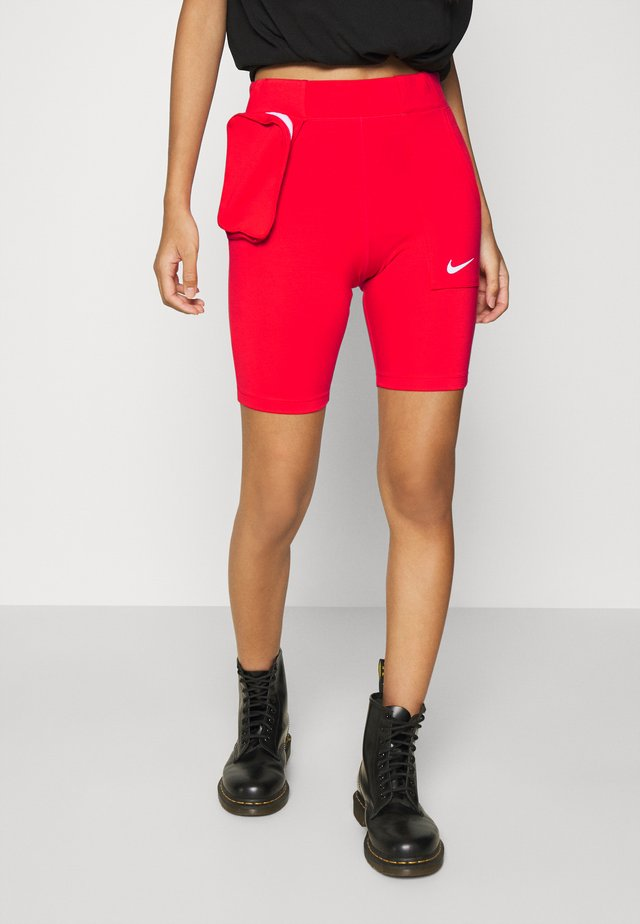 TECH PACK BIKE - Shorts - chile red