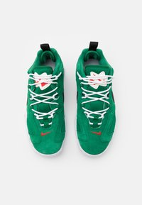 Nike Sportswear - AIR BARRAGE UNISEX - Sneakers - clover/black/white/chile red - 3