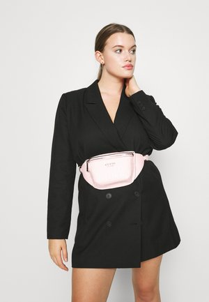 KAYLYN BELT BAG - Ledvinka - blush