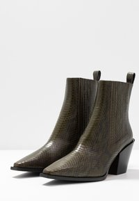 Aeyde - KATE  - Cowboy/biker ankle boot - green - 4