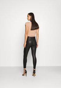 Even&Odd - PU LEGGINGS WITH PUNTO INSERTS - Leggings - black - 2