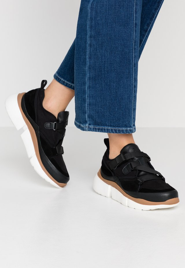 VICTORIA - Trainers - black