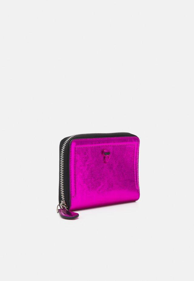 IKONIK 3D PIN FOLD - Wallet - pink