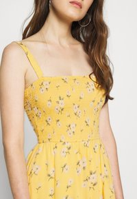 Hollister Co. - HI-LOW SMOCKED MIDI DRESS - Maxi dress - yellow - 5
