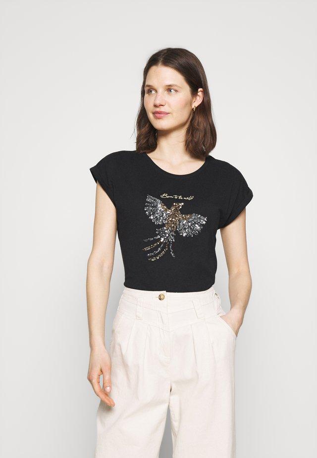 KACRISTY - T-shirt con stampa - black/silver/gold