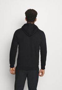 Peak Performance - GROUND ZIP HOOD - Zip-up hoodie - black - 2