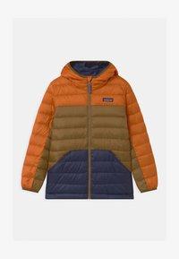 Patagonia - BOYS REVERSIBLE HOODY - Down jacket - desert orange - 0