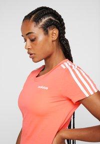 adidas Performance - ESSENTIALS 3 STRIPES DAMEN - Print T-shirt - semi coral/white - 3