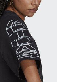 adidas Originals - LOOSE TREFOIL MOMENTS - Print T-shirt - black - 5