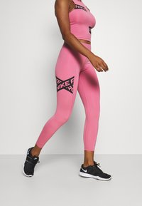 Nike Performance - 7/8 TROMPE  - Tights - desert berry/black - 3