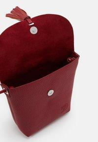 TOM TAILOR DENIM - IDA - Across body bag - mid red - 2