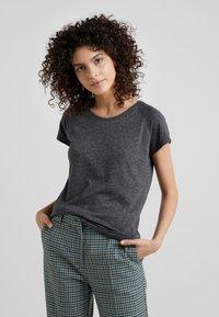 CLOSED - T-Shirt basic - dark grey melange - 0