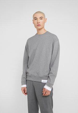 CLASSIC CREWNECK - Sweatshirt - grey