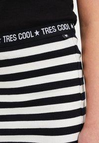 WE Fashion - Mini skirt - all-over print - 2