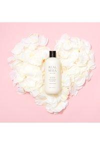 RATED GREEN - REAL SHEA BUTTER NOURISHING SHAMPOO - Shampoo - - - 1