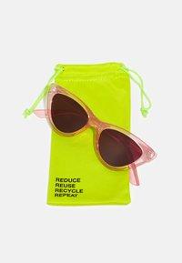 Even&Odd - Sluneční brýle - pink - 2