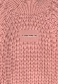 Calvin Klein Jeans - OCO MOCK NECK BOXY - Svetr - pink - 2