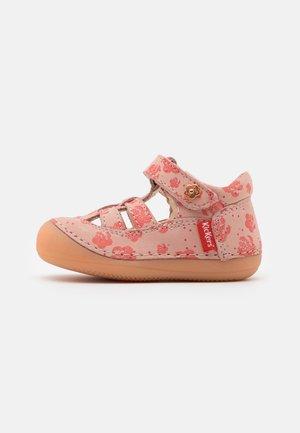 SUSHY - Sandals - rose