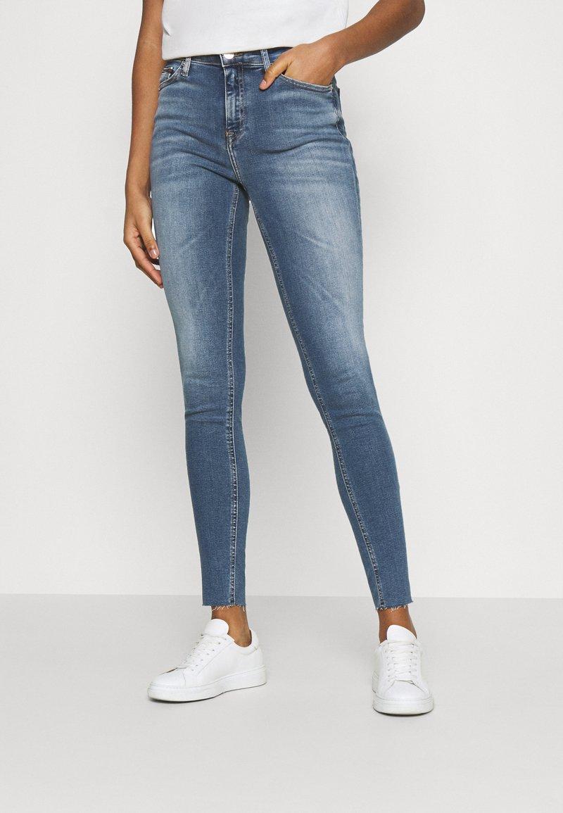 Tommy Jeans - NORA SKNY ANKLE - Jeans Skinny Fit - arden