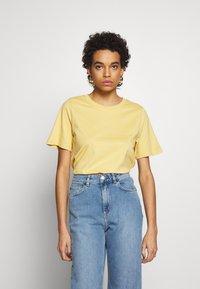 Carin Wester - SAFFI - Camiseta básica - yellow - 0