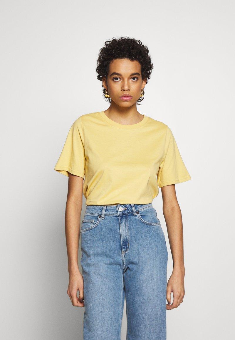 Carin Wester - SAFFI - Camiseta básica - yellow