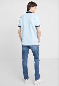 J.CREW - Slim fit jeans - tinted medium indigo wash - 2