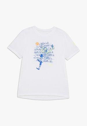 SC30 SELFIE TEE - Triko spotiskem - white/versa blue
