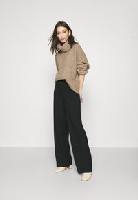 Pepe Jeans - Trousers - black - 1