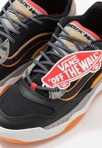 Vans - BRUX  - Skate shoes - black/drizzle - 5