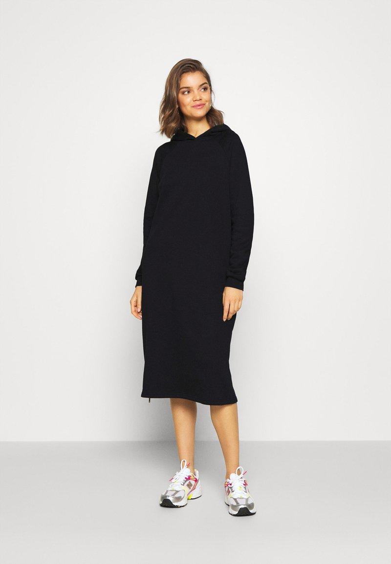 Noisy May - NMHELENE DRESS - Freizeitkleid - black