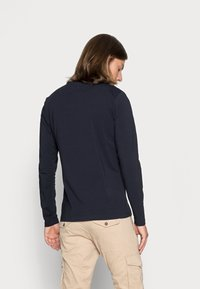 Tommy Hilfiger - STRETCH SLIM FIT LONG SLEEVE TEE - T-shirt à manches longues - blue - 2