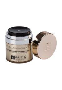 Haute Custom Beauty - RADIANCE SUPERBE SUPREME DAY CREAM 50ML - Hydratant teinté - translucent - 1