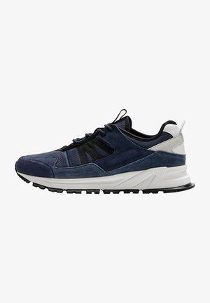 MIT ZUGLASCHEN - Trainers - blue