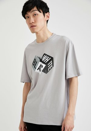 OVERSIZED - Print T-shirt - grey