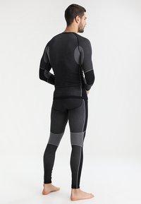 CMP - SEAMLESS - Undershirt - schwarz - 2