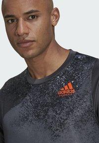 adidas Performance - HB TRAIN T M - Print T-shirt - grey - 3