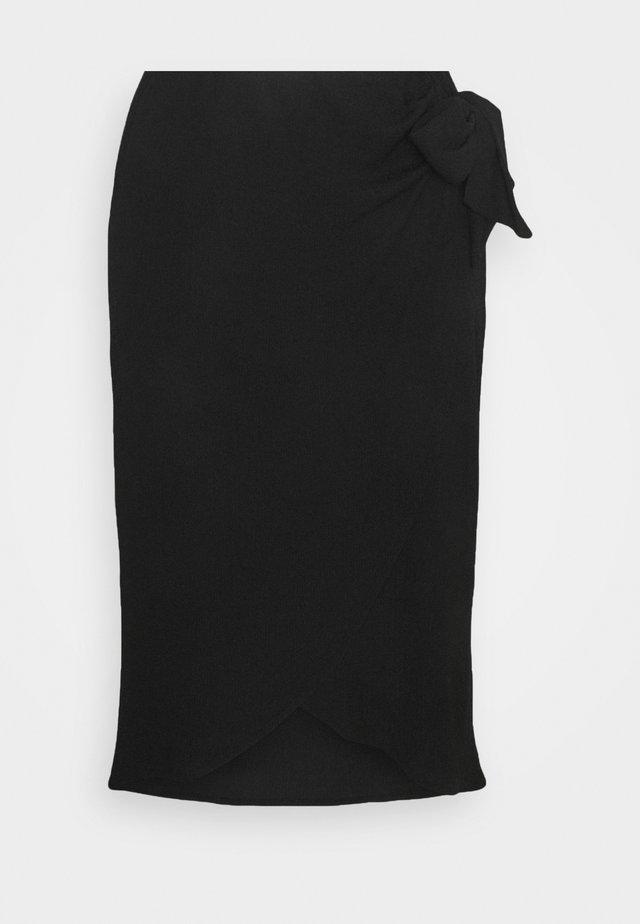 TEXTURED WRAP SKIRT - Jupe crayon - black