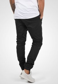 Solid - THEREON - Chinos - black - 2
